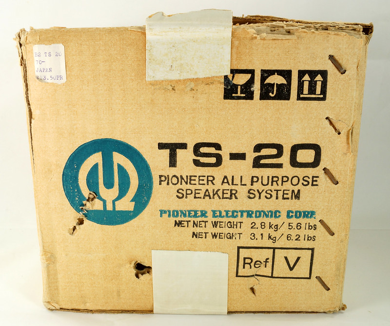 RD29659 Vintage 1968 Pioneer Car Stereo Speaker System TS-20 Pair in Original Box DSC08650