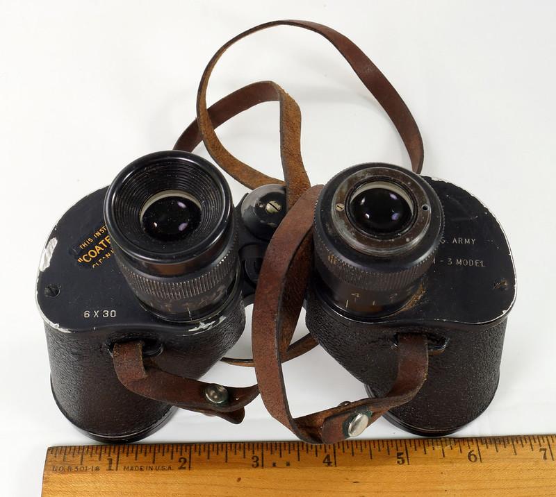 RD24853 Vintage 1942 WW2 US Army M-3 6X30 Field Binoculars DSC08666