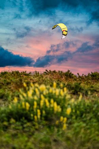 sigma100400 d800 waikanaebeach kitesurfing sunset