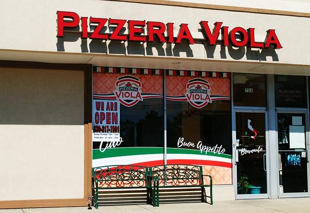 Pizzeria Viola - Lombard, Illinois