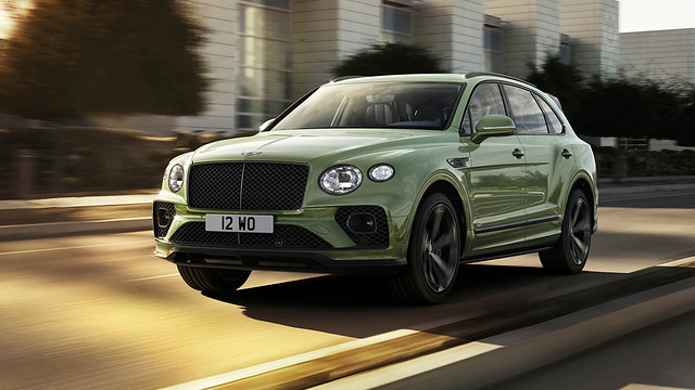 New Bentayga - Alpine Green - 1