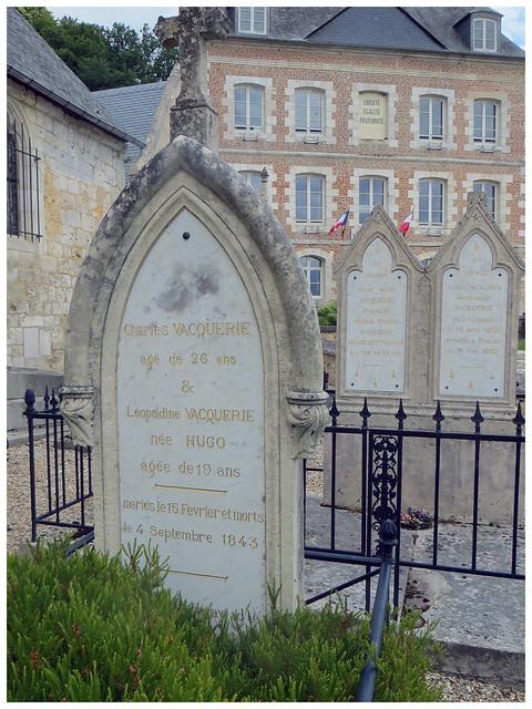 Tombe de Léopoldine Hugo.