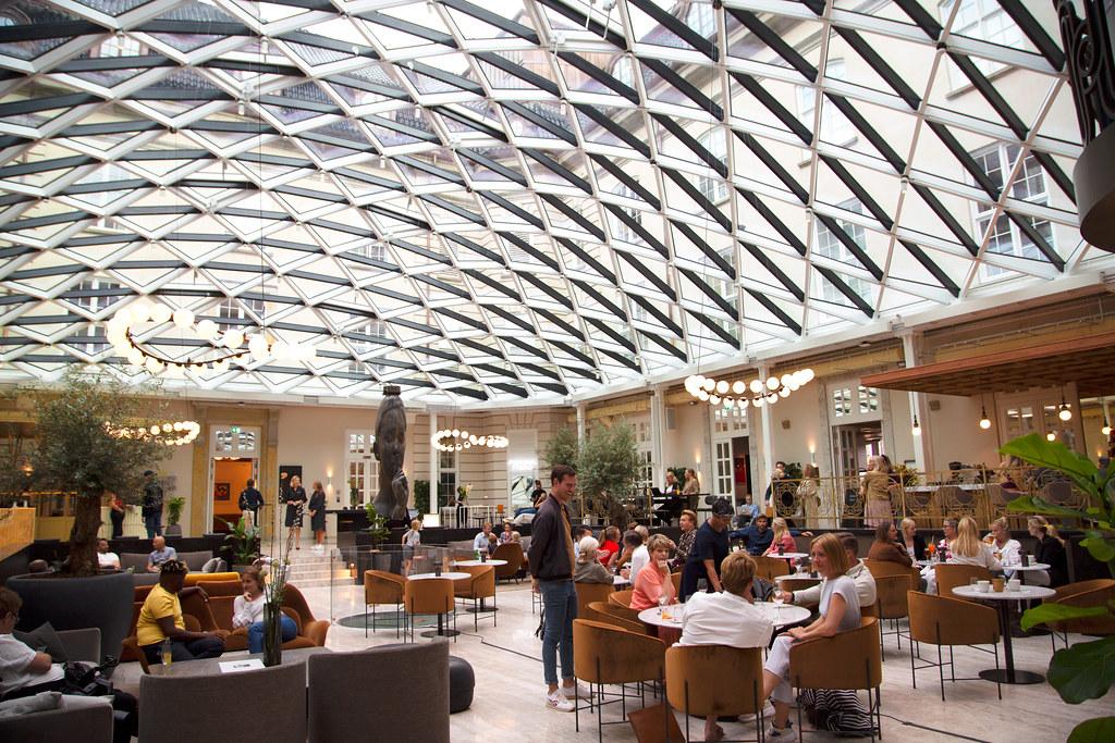 20200107 Villa Copenhagen Courtyard Sofie Paisley