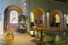 Dans l'église St-Donat