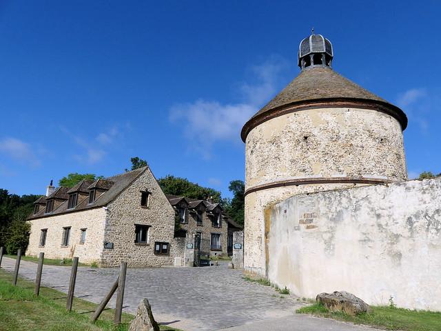 Fondation de Coubertin : le hameau