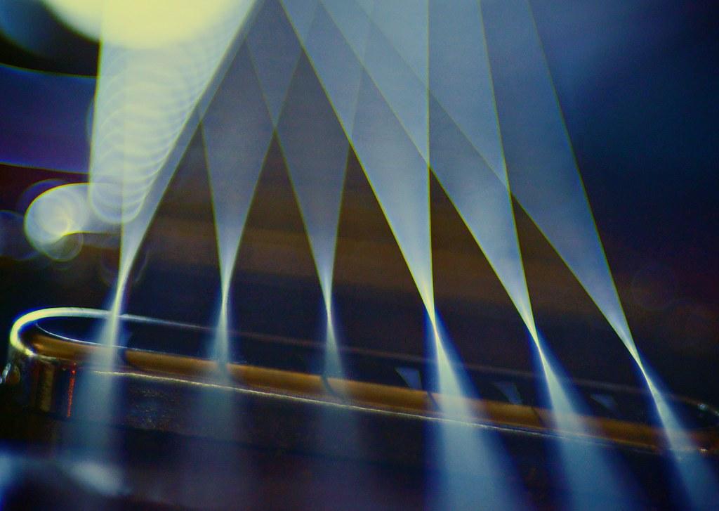 6 strings. Trioplan 100mm