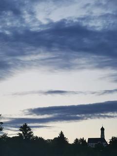 Dorf Kirche Sonnenuntergang Wolken Bayern Oberbayern © Village Church Sunset Clouds Upper Bavaria Germany Europe