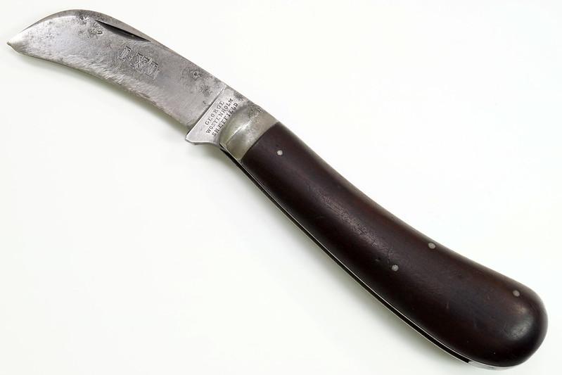 RD30403 Antique IXL George Wostenholm Sheffield England Hawk Bill Prunning Knife Rosewood Handle DSC08681