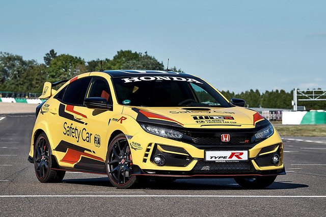 2020-honda-civic-type-r-limited-edition-wtcr-official-safety-car-1