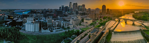 Panorama of the downtown Minneapolis skyline | by schwerdf
