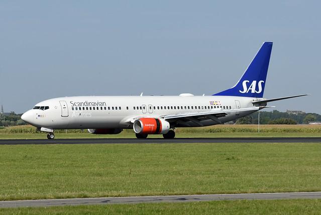 Scandinavian Airlines (SAS) Boeing 737-883 LN-RRK