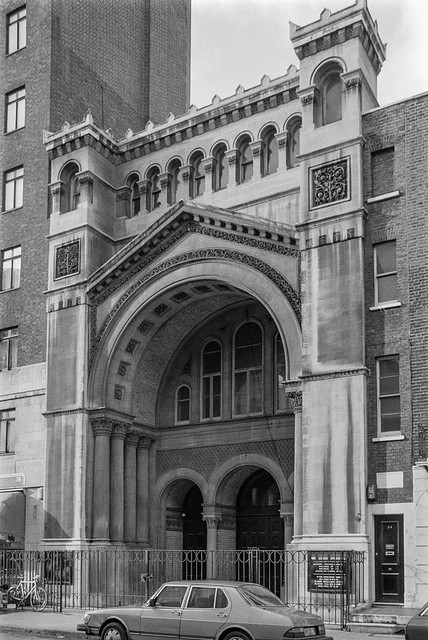 West London Synagogue, Upper Berkeley St, Marylebone, Westminster, 1987 87-3d-52-positive_2400
