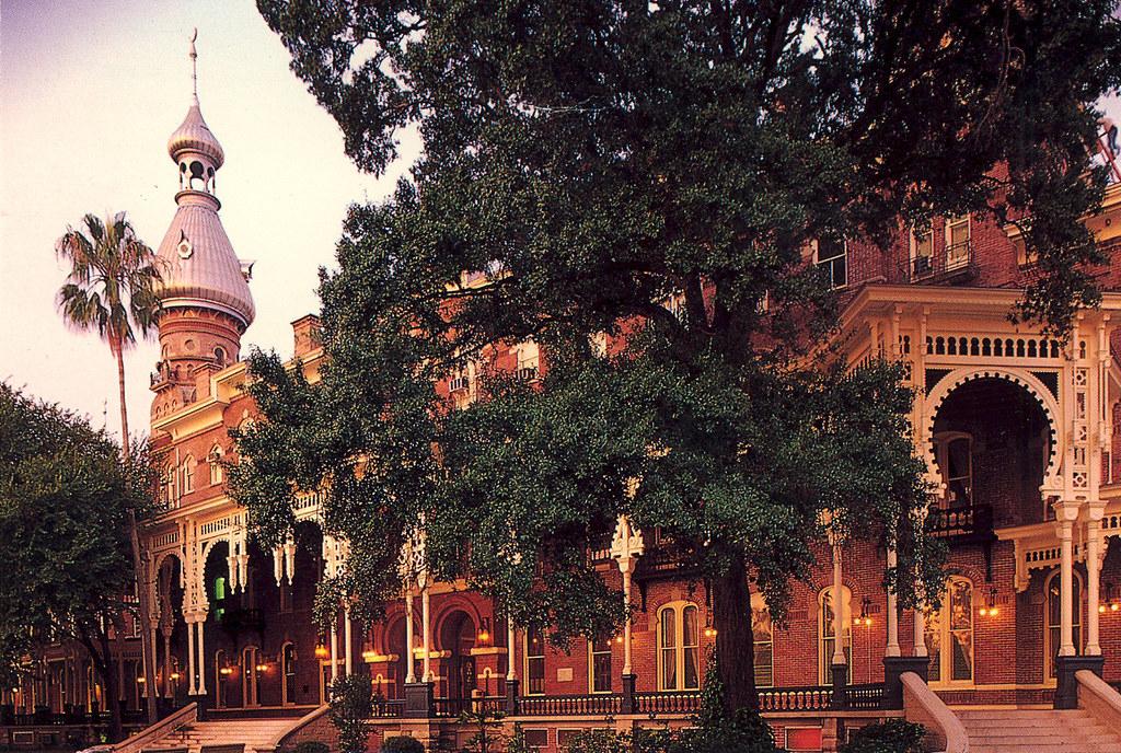 Tampa Bay  Florida - Tampa Bay Hotel - 1891 -  Now University of Tampa - 1997
