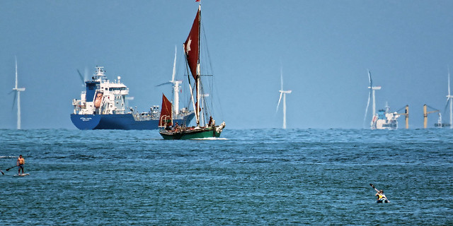 Thames sailing barge Kitty and Thanet Wind Farm off Broadstairs, Kent 5