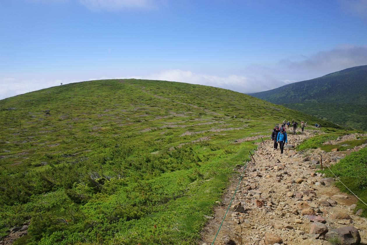 一切経山 雄大な稜線登山