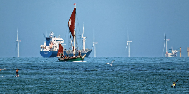 Thames sailing barge Kitty and Thanet Wind Farm off Broadstairs, Kent 4