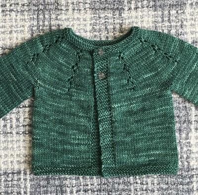 Another baby sweater off Victoria (@sylvieandelliottsmama)'s needles! Pattern is Fairy Dust by Dani Sunshine.