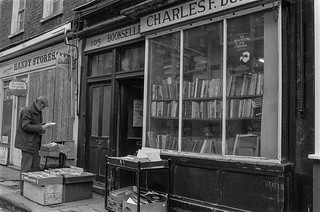 Bookseller, Bell St, Lisson Grove, Westminster, 1987 87-3b-23-positive_2400