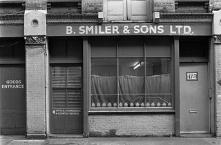 B Smiler & Sons, Rivington St,  Shoreditch, Hackney, 1987 87-3g-23-positive_2400