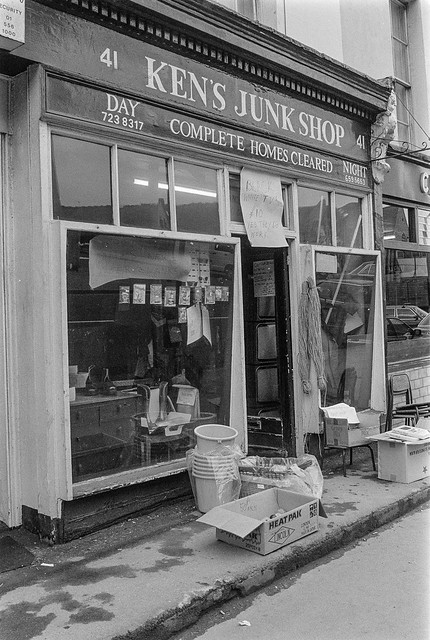 Ken's Junk Shop, Lisson Grove, Westminster, 1987 87-3b-21-positive_2400