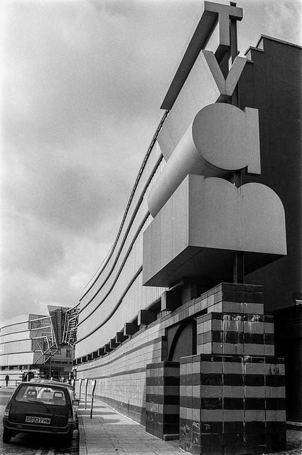 TV AM, Hawley Crescent, Camden, 1987 87-3b-05-positive_2400