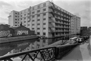 Gilbey House, Regents Canal, Camden, 1987 87-3a-36-positive_2400