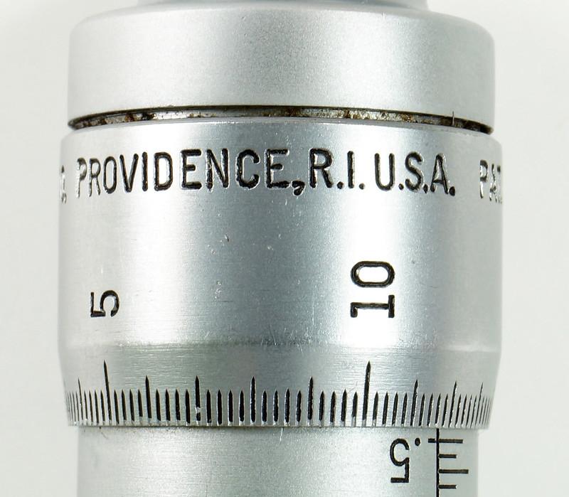RD30619 Brown & Sharpe Internal Micrometer .5-.6 inch Range 1div=.0002 inch DSC08735