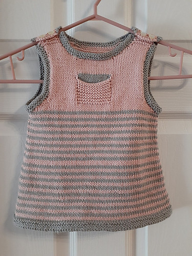 Jocelyne knit Clementine by The Noble Thread for her granddaughter! She said she didn't notice the extra row of pink until she took the photo.