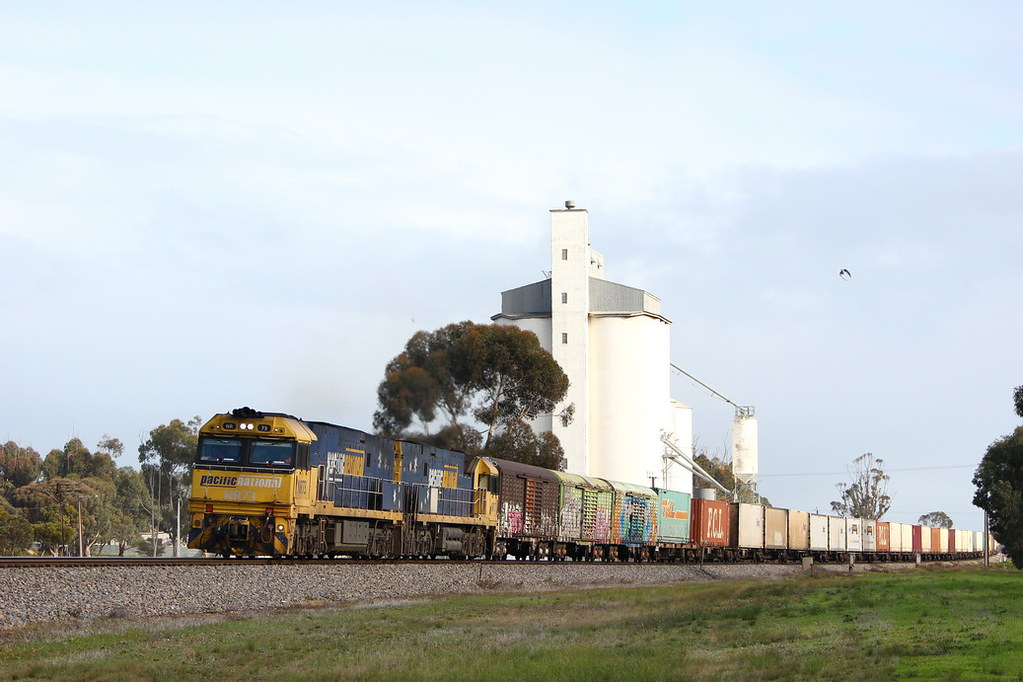 Eastbound at Wolseley by Justin Cheary
