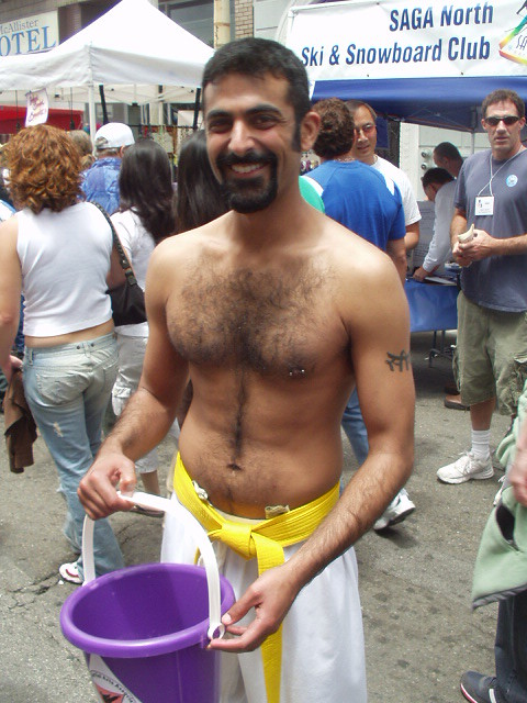 HELLA HAIRY & HANDSOME ! HAPPY PRIDE ! PHOTOS of PAST PRIDE PARADES !(San Francisco 2005) ( safe photo )