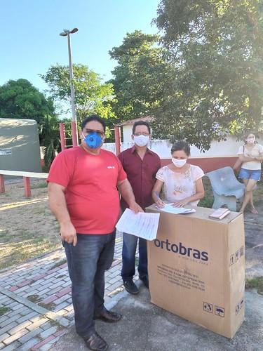 Prefeitura de Ipu entrega cadeiras de rodas e prótese
