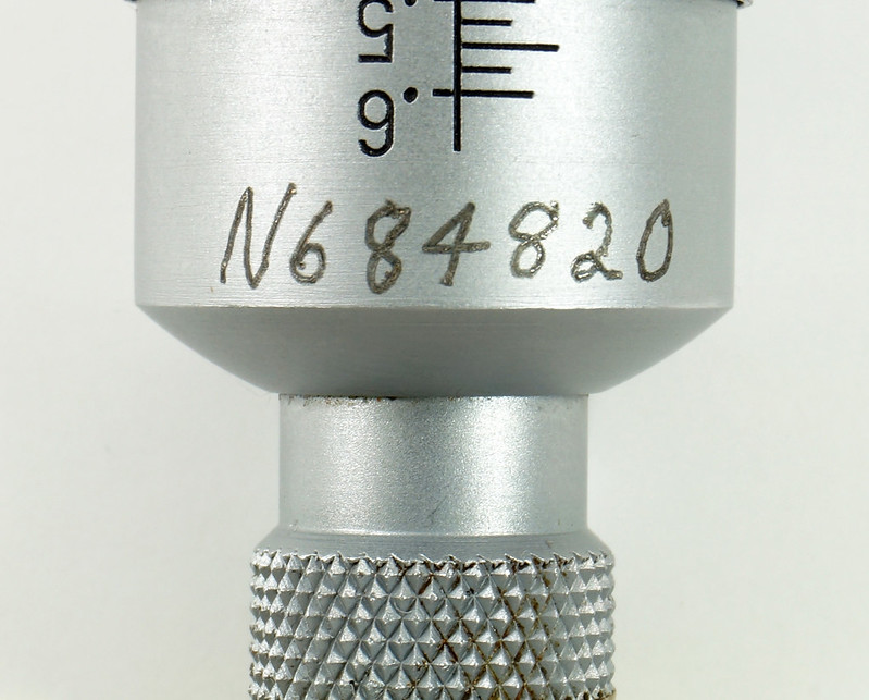 RD30619 Brown & Sharpe Internal Micrometer .5-.6 inch Range 1div=.0002 inch DSC08732