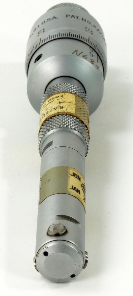 RD30619 Brown & Sharpe Internal Micrometer .5-.6 inch Range 1div=.0002 inch DSC08728