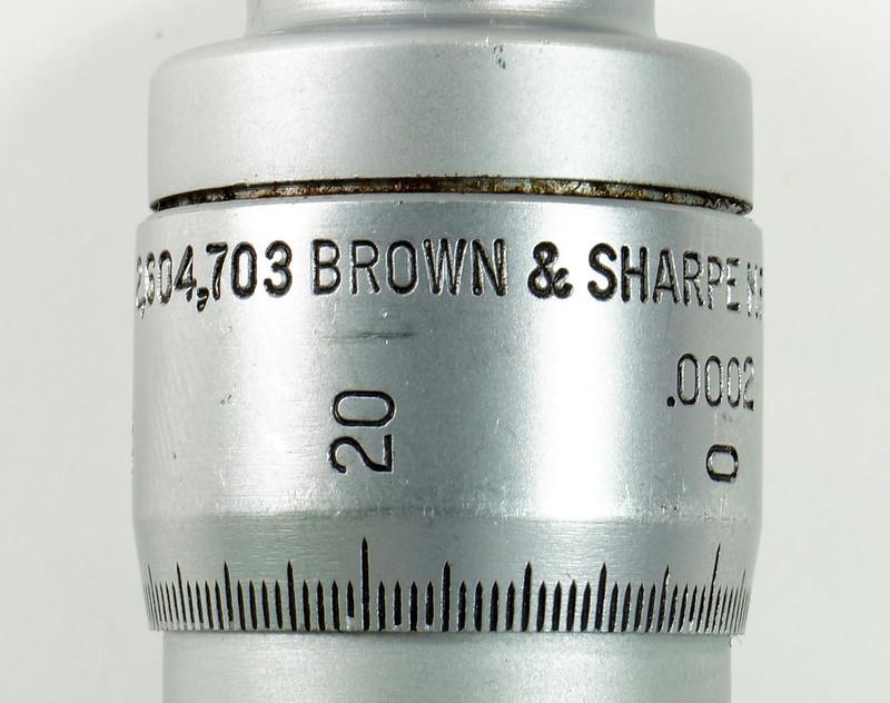 RD30619 Brown & Sharpe Internal Micrometer .5-.6 inch Range 1div=.0002 inch DSC08733