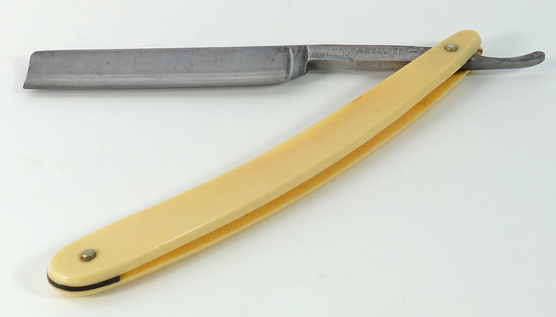 RD23317 Antique Wade and Butcher Sheffield England Straight Razor DSC08819