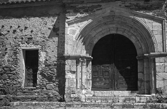 Bustares, iglesia de San Lorenzo.