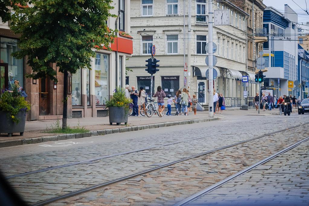interesting street scene!!  12:37:32 DSC_6447