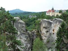 Hruboskalsko: Myší dírou mezi pískovcové věže a na rodový hrad Valdštejnů