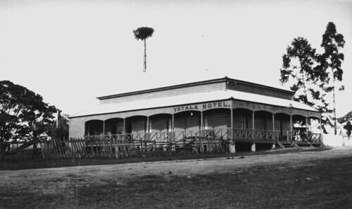 hotel pub queensland yatala timber building verandas