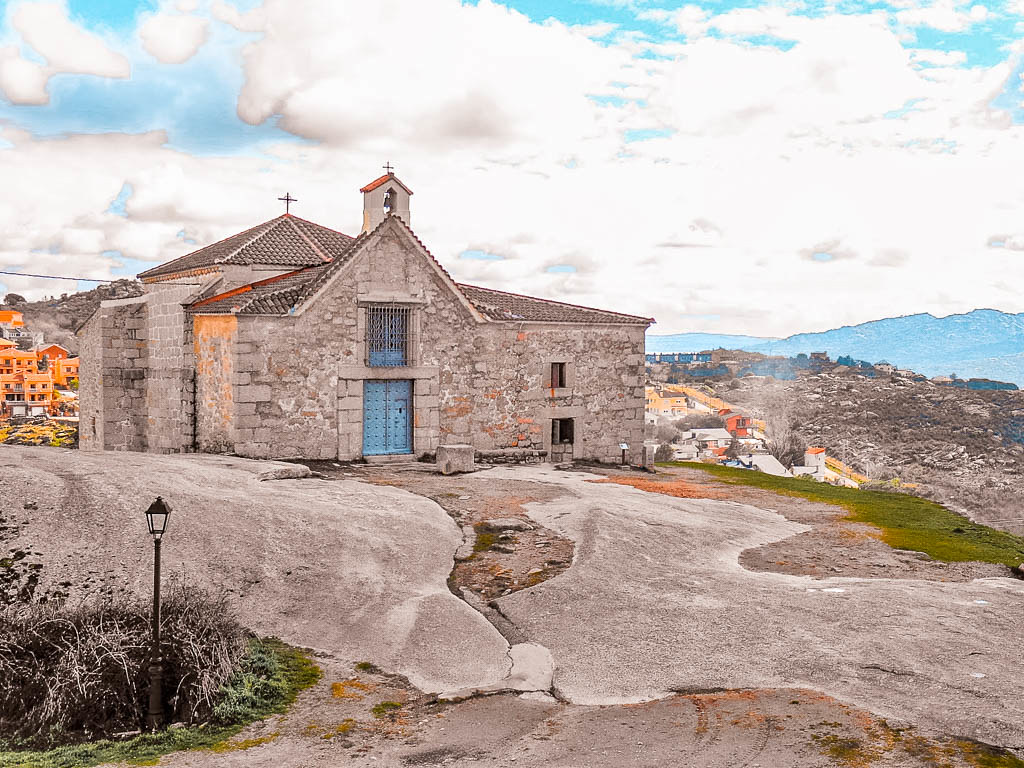 Ermita de la Peña Sacra, Que ver en Manzanares el Real
