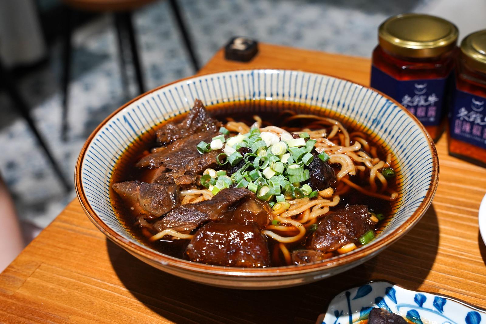 東館牛-紅燒半筋半肉牛肉麵1