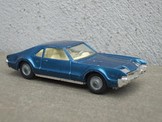 Vintage Corgi Toys Metallic Blue Oldsmobile Toronado Car Boot Sale Find