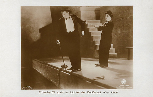 Charlie Chaplin and Harry Myers in City Lights (1931)
