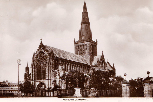 Glasgow Cathedral - Vintage Poscard.