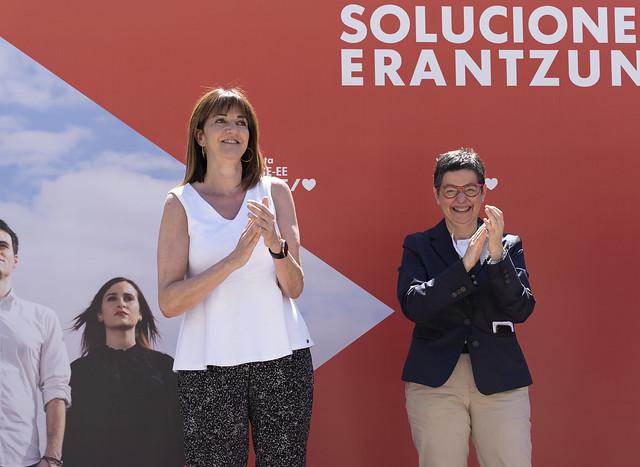 Idoia Mendia Y Arancha González Laya en Irún #12J