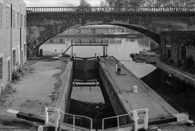 Lock, Regent's Canal Basin, Limehouse, Tower Hamlets 1984 84-6a-36
