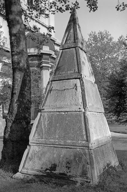 Pyramid, St Anne's Church, Limehouse, Tower Hamlets 1984 84-6a-22