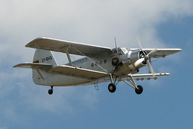 Antonov An-2 LY-BIG