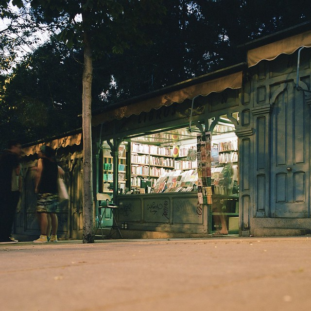 Librería Cuesta de Moyano - Kowa Six