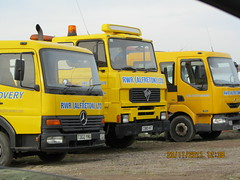 Unimog1300L posted a photo:RWR (Alfreton) Ltd were the short lived successor to Roadworks Recovery.  Seen here at at Blyth in North Nottinghamshire on a contra flow scheme for Tarmac on a surfacing scheme. This was the southern base the north being at j35.